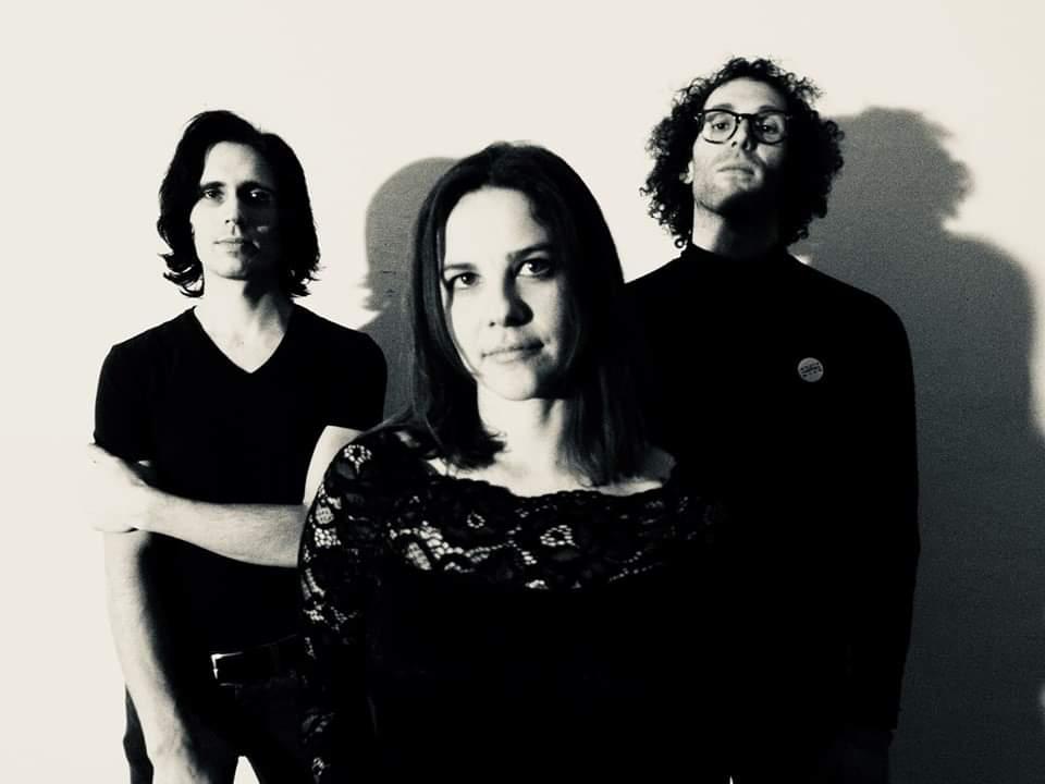 grunge band magazine